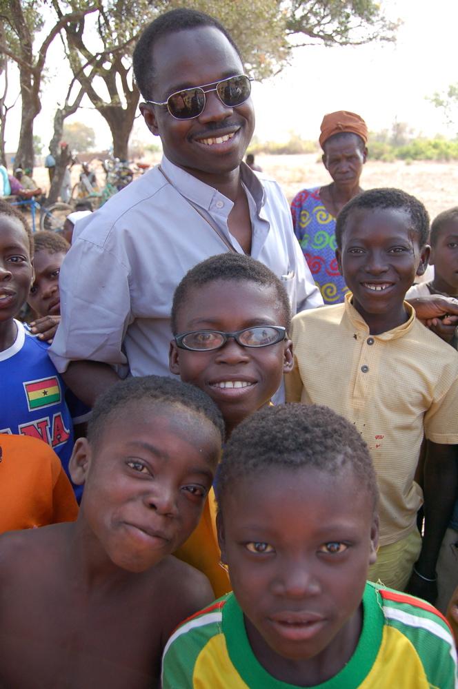 http://www.kammlott.net/Burkina/227Paulkids.jpg